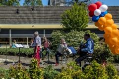 Zingen-voor-saamhorigheid-Koningsdag-Henricushof-2020-Lierop-18