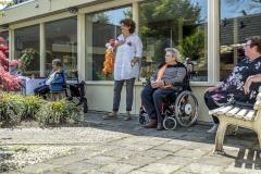 Zingen-voor-saamhorigheid-Koningsdag-Henricushof-2020-Lierop-7